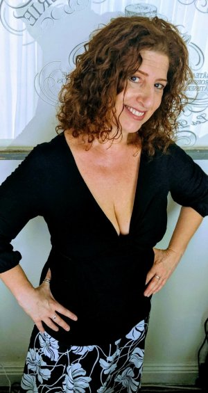 Godeline adult dating in Kentwood MI